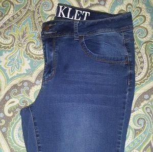Encore Skinny Jeans